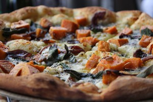 pumpkin-gorgonzola-pizza-